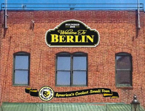 Berlin HDC approves plans for a new town hall sign